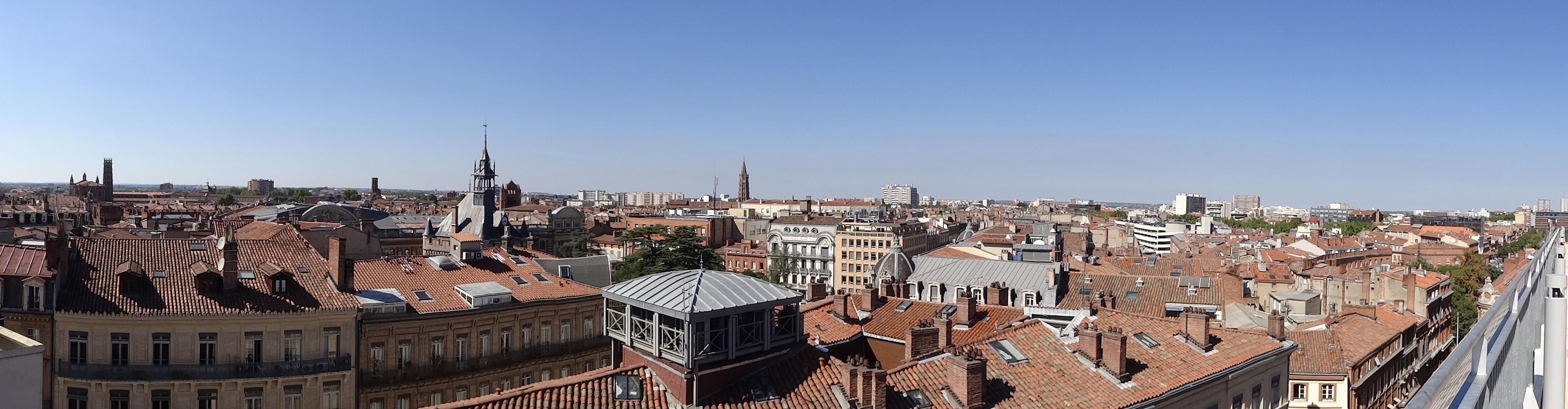 Panorama_de_Toulouse_depuis_les_galeries_Lafayette